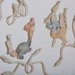 Marginalia (première version), porcelaine, pigments, fil de nichrome, épingles entomologiques, 60 x 365 cm [détail] (photo: Denis Baribault)
