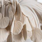Métaphores mortes V [détail], porcelaine, terre sigillée, 30 x 51 x 46 cm (photo: Étienne Dionne)